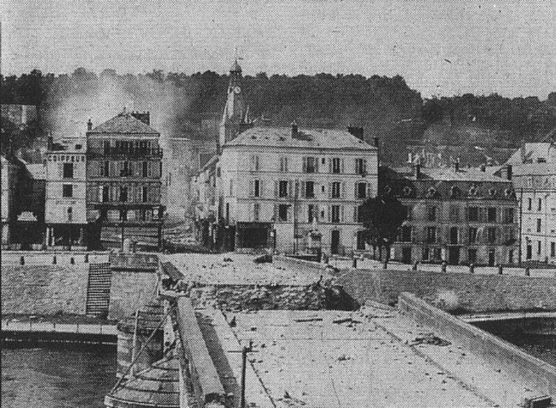 05 28 Château-Thierry le pont sur la Marne a sauté