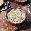Clafoutis à la rhubarbe et à la noix de coco, sans gluten et sans lactose