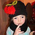Un nouveau chapeau et un snood pour emmy