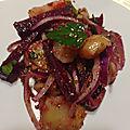 <b>Salade</b> de harengs, pomme de terre, betterave et oignon rouge