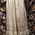 15.307 Magnifique robe ancienne longue de bapteme pour bébé dentelle de bruxelles point de gaze