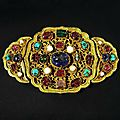 Gemmed Golden <b>Buckle</b>, 14th Century, Ming Dynasty, Hong Wu Period (1368 - 1398).
