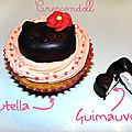 • cupcakes vanille/nutella hello kitty & sucettes de chamallows •