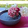 Montage <b>floral</b> pour un dîner entre amis