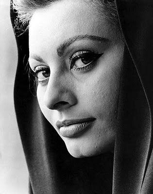 Sophia Loren011-770211