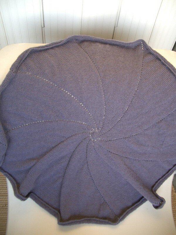 pinwheel baby blanket/aout 06