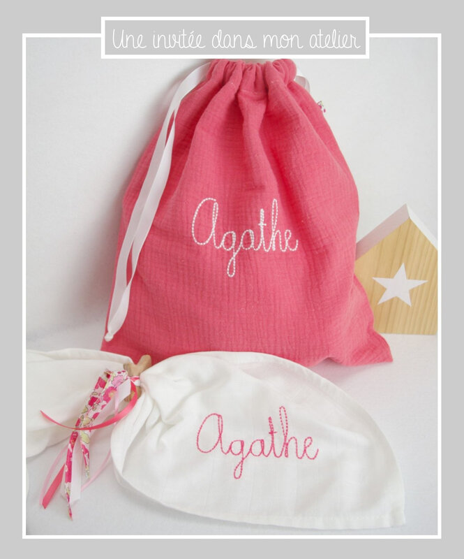 Coffret naissance-pochon en double gaze-lange-personnalisé-hochet étoile-Liberty betsy tagada