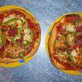 Pizza poivrons, câpres, champignons et mozzarella