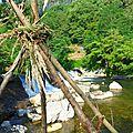 devant la cascade yurtao