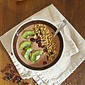 Smoothie bowl banane, amande et chocolat