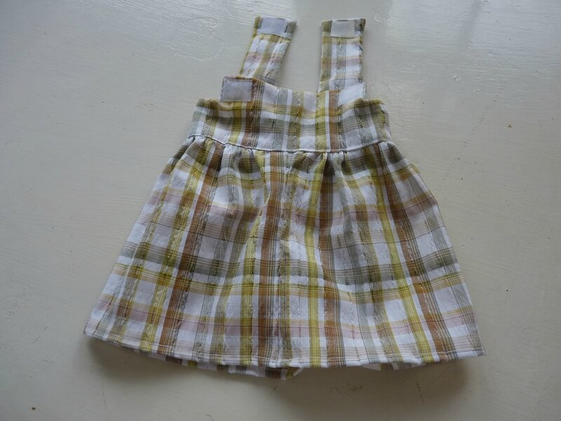 pinafore dress with a wide skirt (1)