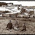 Alexandra David Neel au pied du Potala