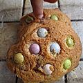 Cookies au smarties et aux pépites de chocolat