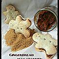 Gingerbread mancaronmen ... petits bonhommes en pain d'épices macarons fourrés à la pâte à tartiner spéculoos maison.