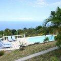 La piscine et l'océan indien