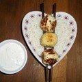 Boulettes de poulet, sauce au fromage blanc et aux herbes