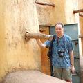 Bobo Dioulasso : entré de la mosquée avec Alain