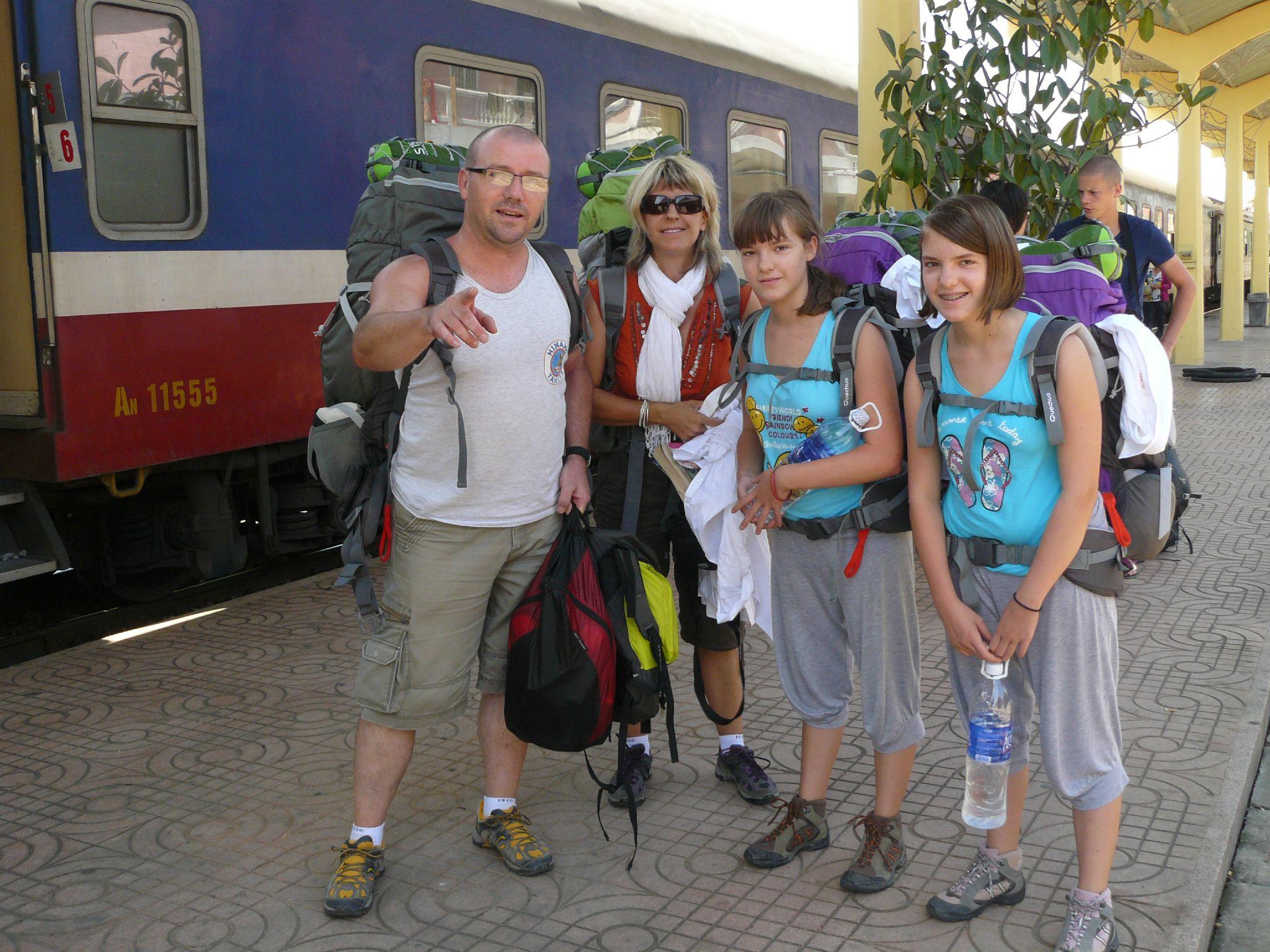 P1140585 arrivée en gare de Hué