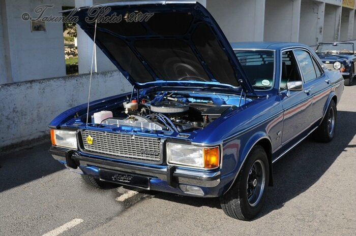 Rare Cars : Ford GRANADA PERANA GHIA - 5.0 - V8 - 250 BHP (1976) / Ford GRANADA COUPE - 3.0 - V6 - 140 BHP (1975)