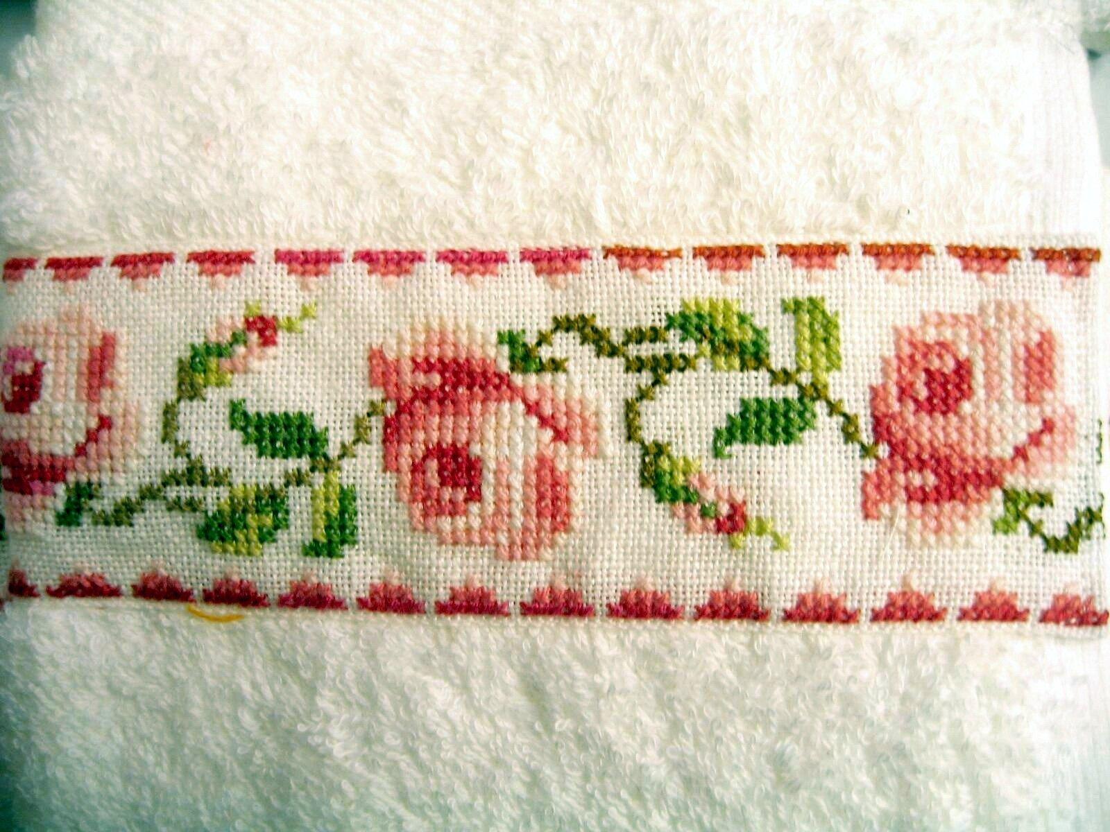 serviette à main aux roses 2