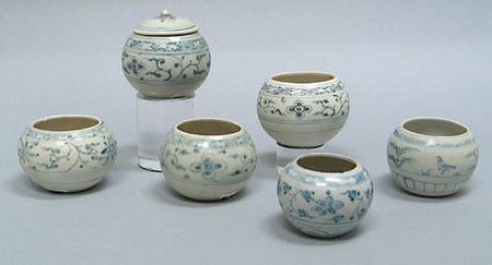A group of six blue and white jars. Late 15th/Early 16th Century