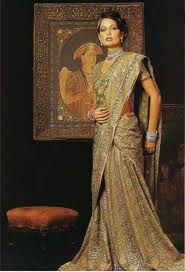 L'art du drapé : Le saree