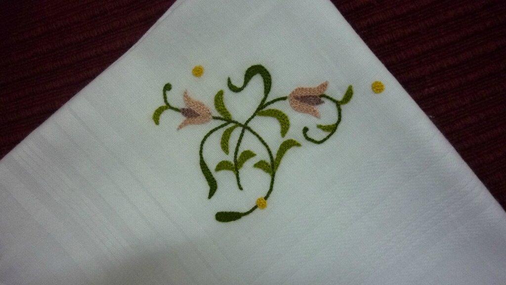 mouchoir avec coin tulipes
