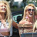 Britney Spears & <b>Iggy</b> <b>Azaela</b> - Pretty Girls