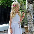 Petite robe blanche en lin et en crochet