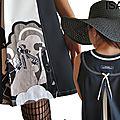 Robe trapèze Chasuble Noire & Ecru Graphique Asymétrique d'allure Sixties