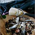 TARTE FINE AUX PLEUROTES & <b>CHAMPIGNONS</b> DE PARIS, COPEAUX DE PECORINO (et pâte à tarte express)