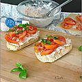 Tartines aux rillettes de thon & tomates - rebanadas de pan con rillettes de atun & tomates