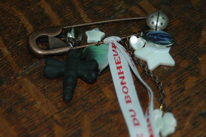 Broche Porte Bonheur #2 (création Le Comptoir)