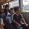 Un petit tour dans le bus ?