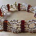 Bracelet cubes bruins