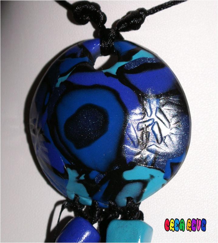 collier bleu 2