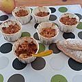 Mini-crumbles pommes, poires et <b>biscuits</b> <b>à</b> la <b>cuiller</b>