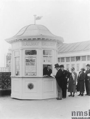Enquiry kiosk at Southport, 1933