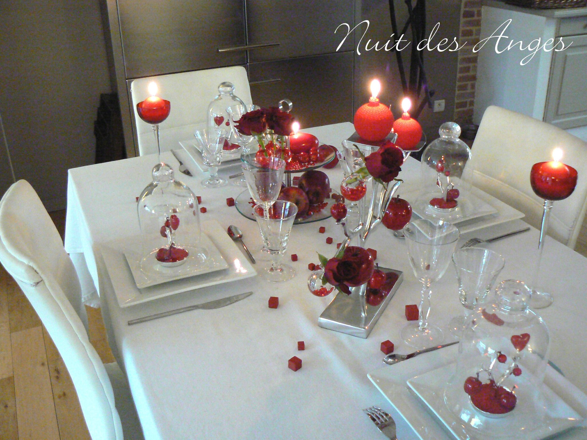 nuit des anges d coratrice de mariage d coration de table rouge pomme d 39 amour 002 photo de. Black Bedroom Furniture Sets. Home Design Ideas