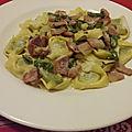 Tortellini au pesto de basilic et poivrons verts au <b>parmesan</b>