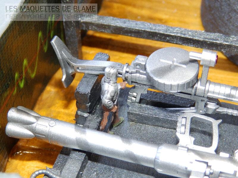 Diorama 1960 PROJET VENGEANCE - En cours de montage, décoration Blame Custom - Bandaï MS-06F ZAKUII 1/144  et Hasegawa US Aerospace ground equipment set 1/72 - Page 2 119834341