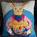 373. Coussin lapin