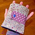 De la toile enduite violette à pois ... un liberty Froufrou kaki ... un sac <b>pliable</b> !