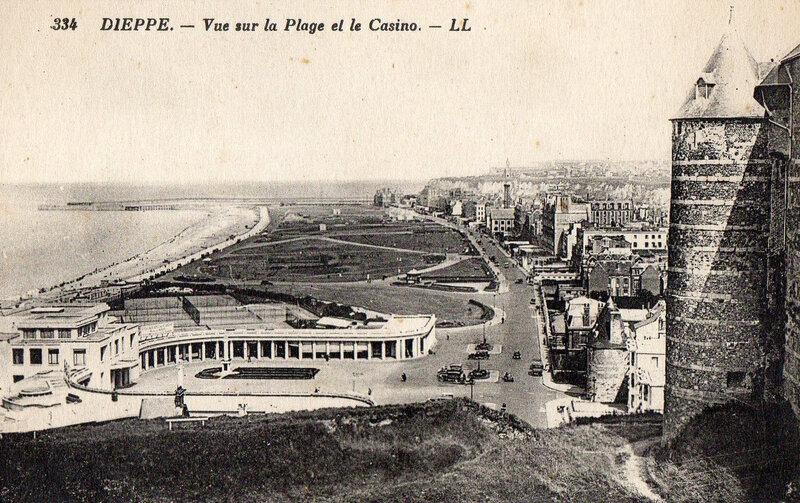 Dieppe-vue sur la plage rt le casino