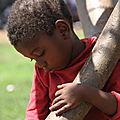 guerre en centrafrique : orphelin, solitaire, une enfance douloureuse d'un enfant peulh sous silence à bowaye