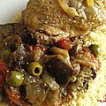 Tajine de poulet aux aubergines, olives et citron confit
