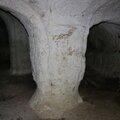 piliers et arcatures (propriété privée défense d'entrer)
