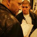 Michel donne l'ordre des combats devant Jeremy attentif!