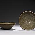 Paire de bols en grès émaillé céladon. fours de yaozhou, époque jin (1115-1234)