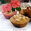 Petits gâteaux à la semoule grillée et aux dattes